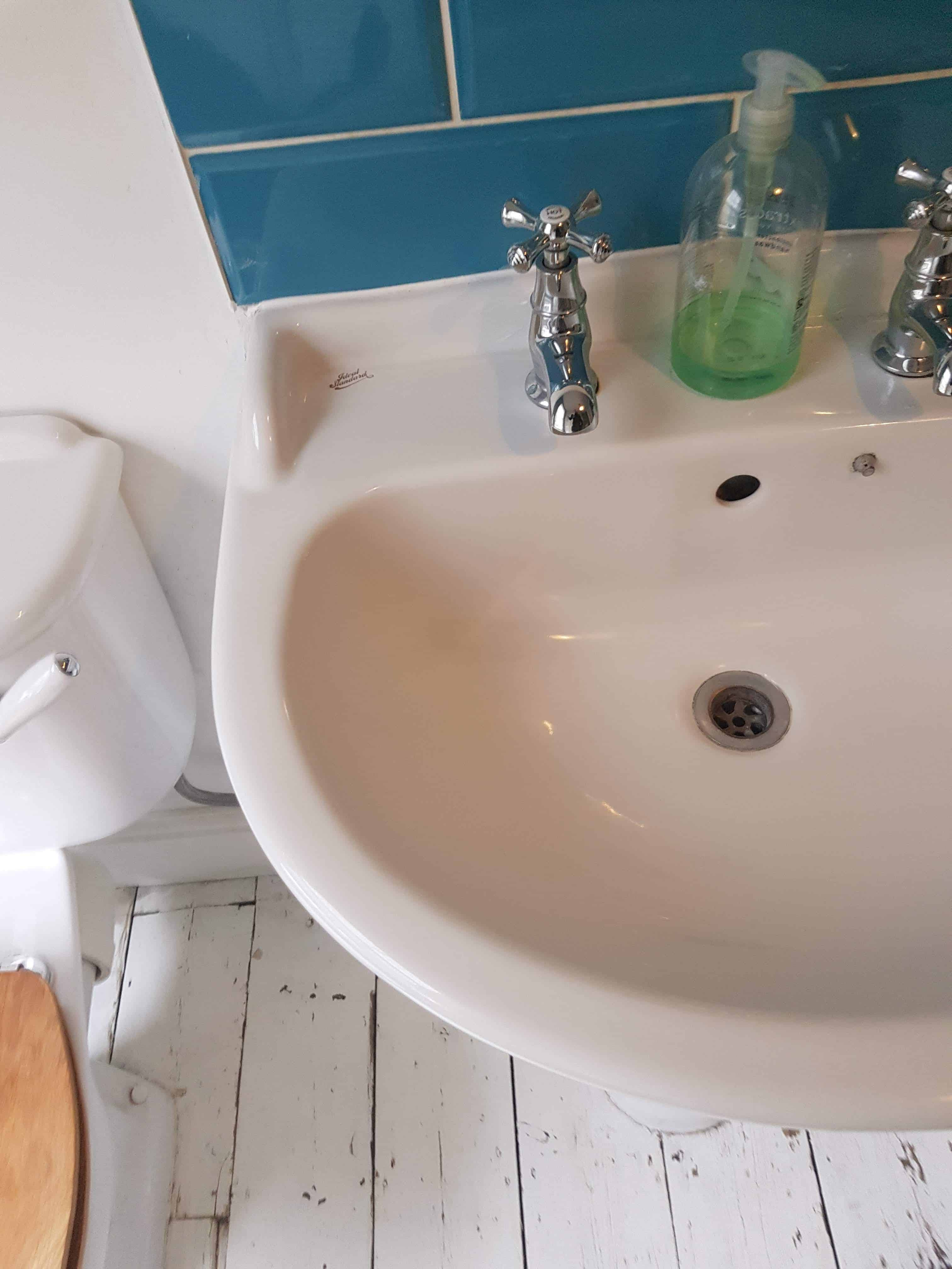 5 examples of time and cost effective bath enamel repair. 3