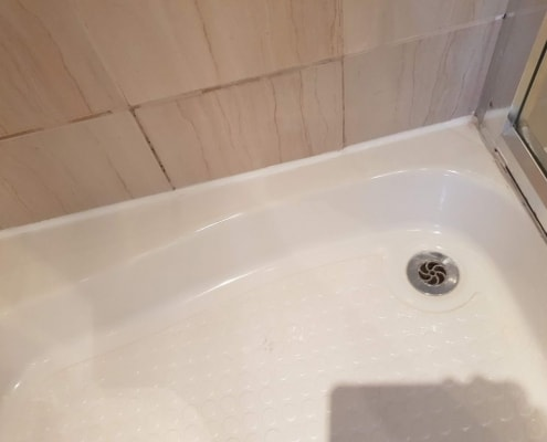 spot acrylic bath repairs and enamel bath repair (chips, cracks, scratches). 5